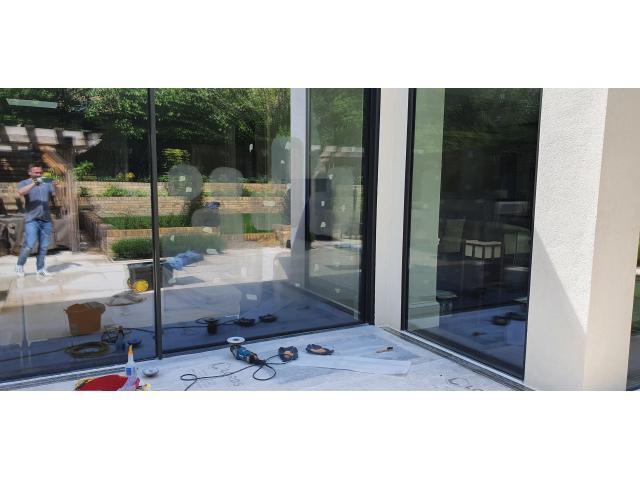 Glass Scratch Repair - 1/1
