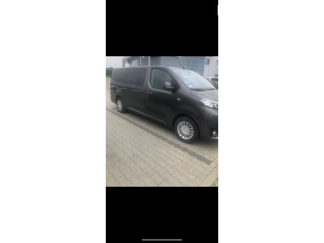 Toyota 9 osobowa transport osób/ przewóz  ! - 1/1